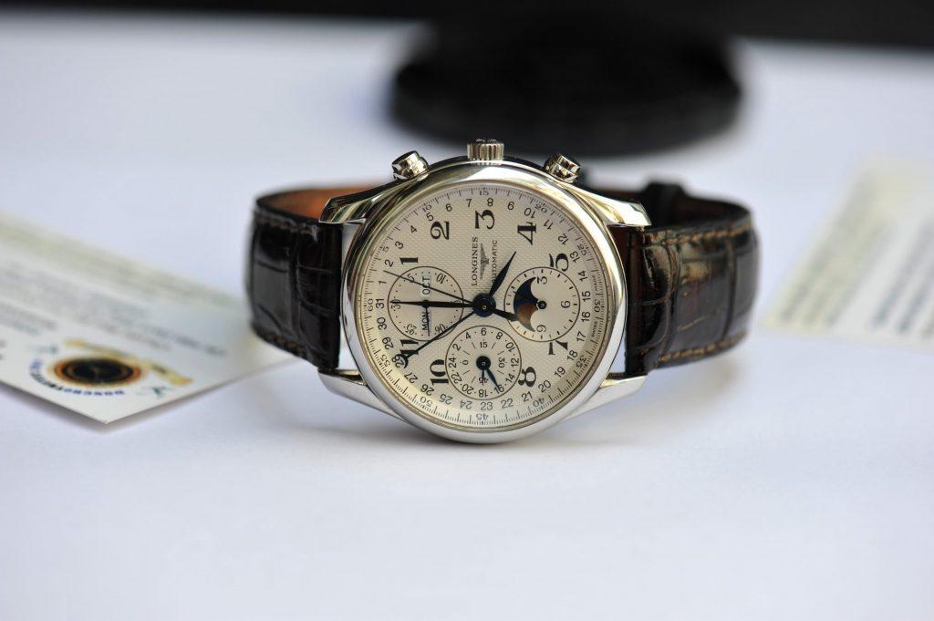 mẹo mua đồng hồ chính hãng