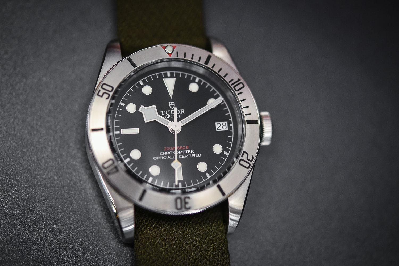 đồng hồ TudorHeritage Black Bay Steel