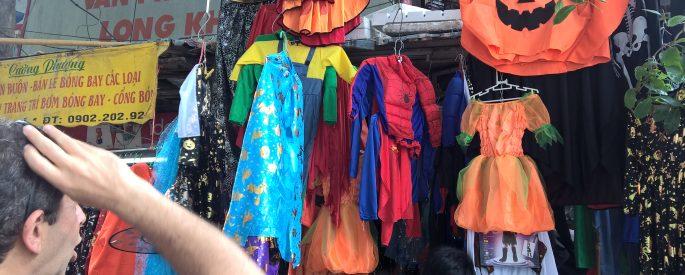đồ hóa trang Halloween giá rẻ