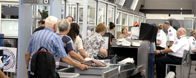 hướng dẫn làm thủ tục sân bay
